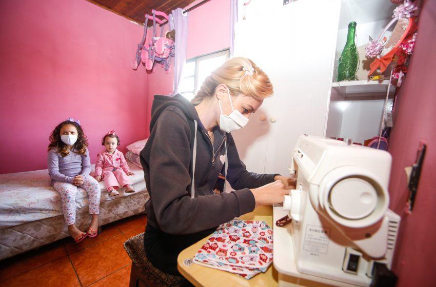 Mais de 50 mil máscaras estão sendo produzida pela prefeitura de Santana de Parnaíba através do Projeto crescer