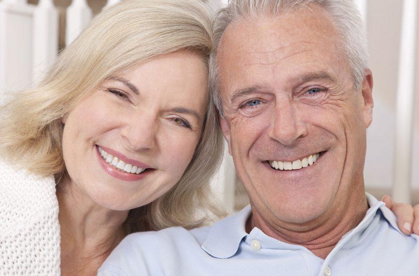 Aumente a autoestima e saúde bucal  com implante dentário