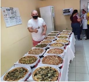 LAR BUSSOCABA COMEMORA O DIA DO IDOSO E A NOITE FOI DE PIZZA