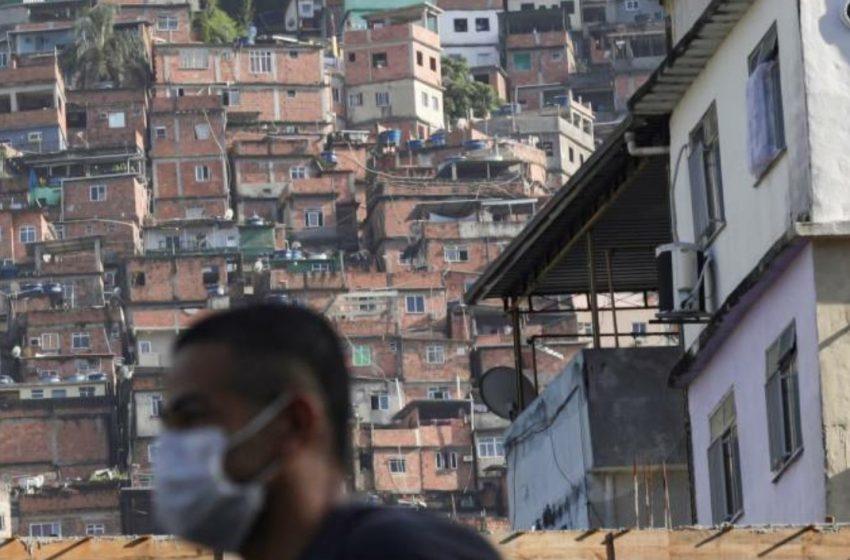 A nossa aceitação política e negação social são responsáveis pela fome nas favelas brasileiras