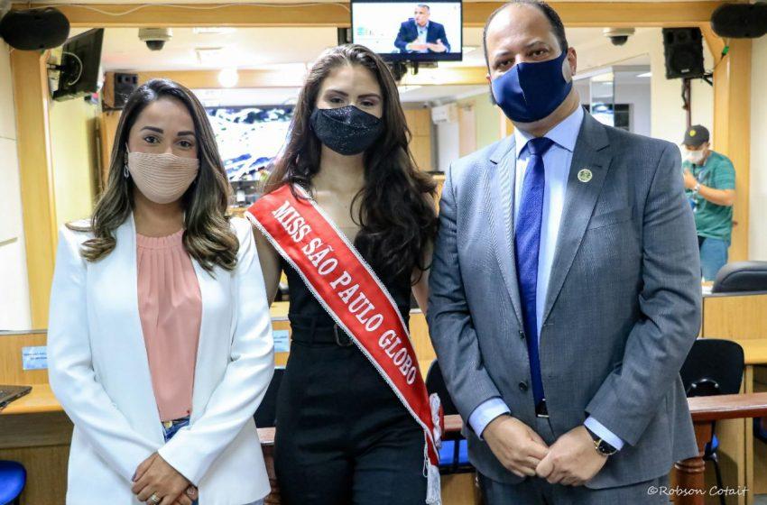Miss São Paulo recebe homenagem da Câmara de Osasco