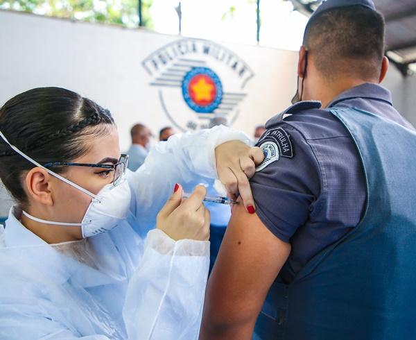 CPA/M-8 de Osasco inicia imunização dos agentes de segurança pública da região