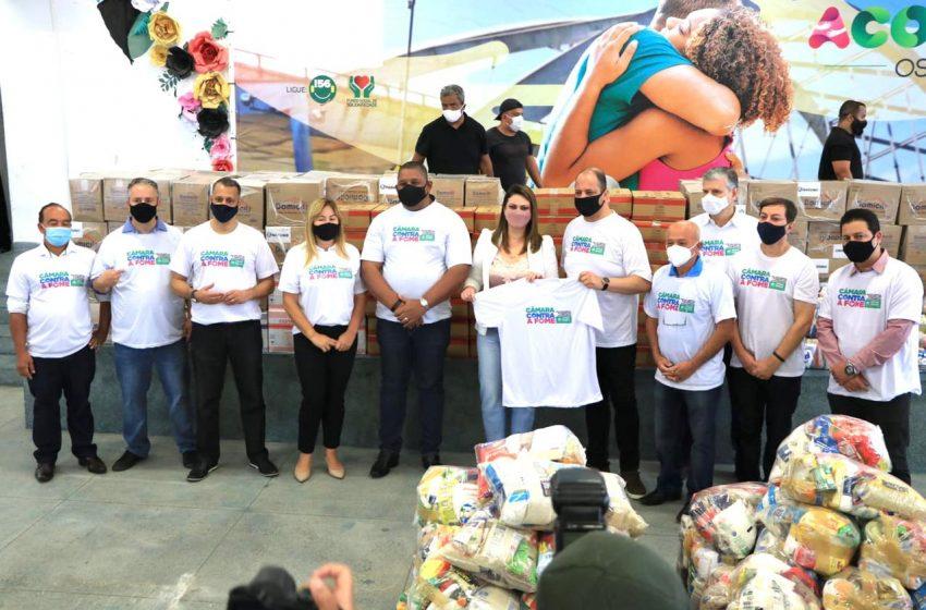 Vereadores e servidores fazem força-tarefa para entregar 7,5 toneladas de alimentos arrecadados as famílias carentes de Osasco