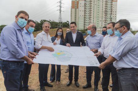 Autoridades visitam obras do Hospital Regional em Barueri