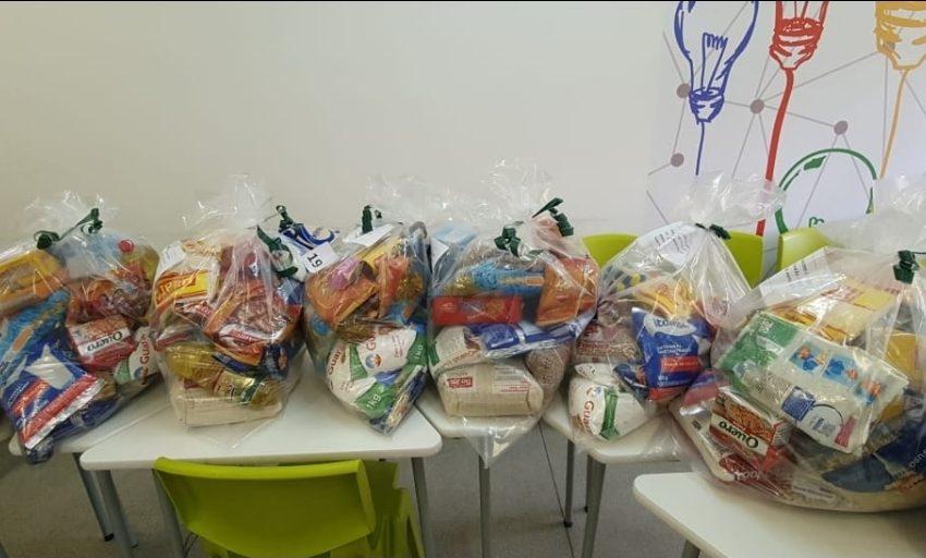 Barueri recebem doação de alimentos e produtos de higiene   em postos de vacinação