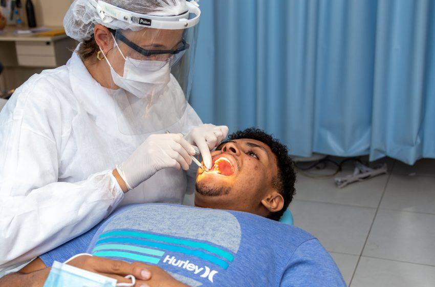 Prefeito Marcos Tonho vai contratar dentistas particulares para zerar fila de espera em Santana de Parnaíba