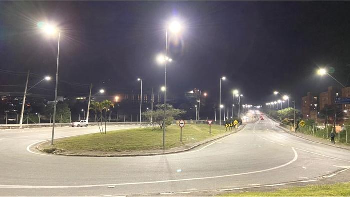 Jandira troca mais de 60% da iluminação pública por LED