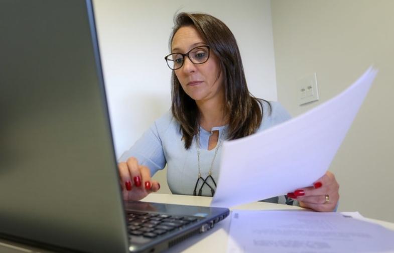 Renata Abreu propõe regulamentar herança digital de valor econômico
