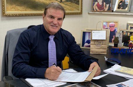 Deputado Cezar faz emenda para distribuição de produtos de higiene íntima menstrual para adolescentes