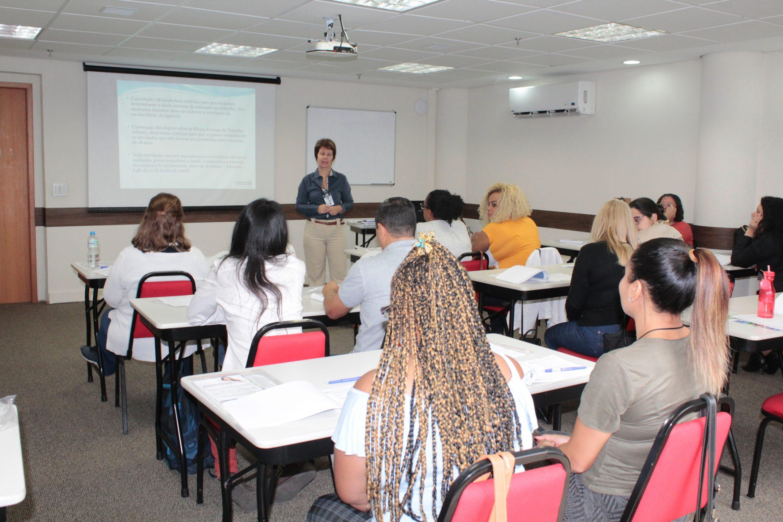 Carapicuíba e Governo do Estado oferecem cursos aos jovens