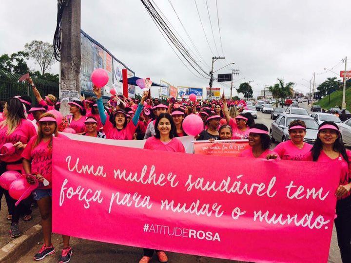 """""""Outubro Rosa"""": Professora Sônia realiza ação de conscientização"""