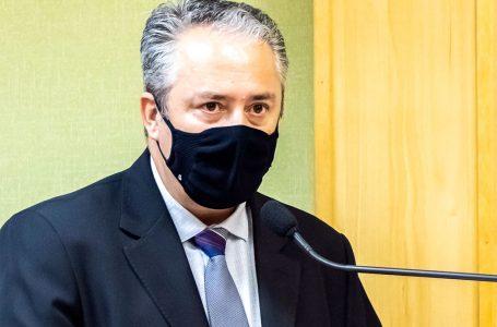 Vereadores parabenizam servidores efetivos por atuação na Câmara de Osasco